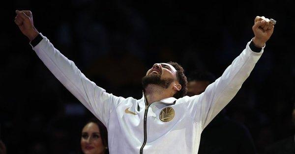 クレイ・トンプソン、3P成功数NBA新記録樹立
